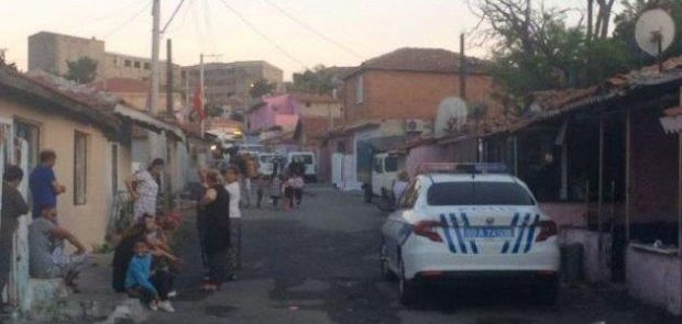 POLİS ARACINA ATEŞ ETTİLER